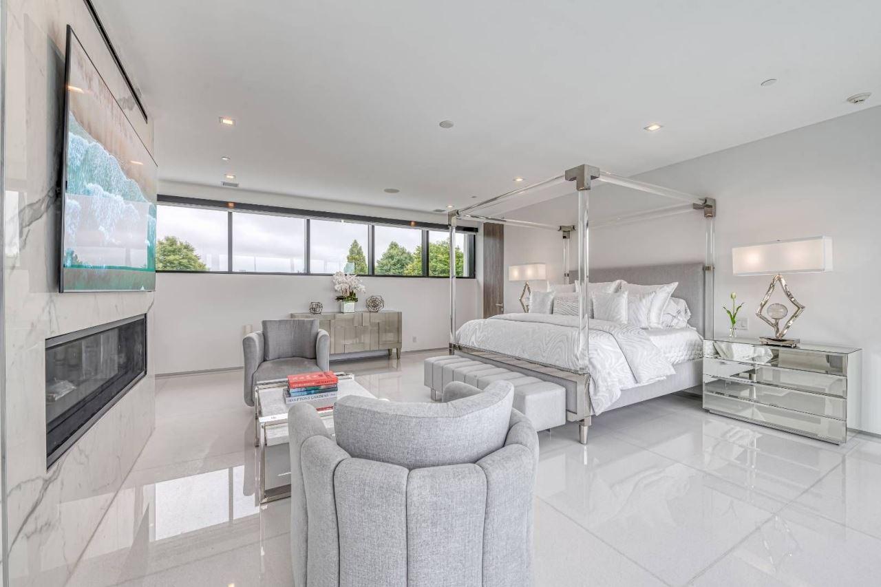 88 Rose Way master suite bedroom